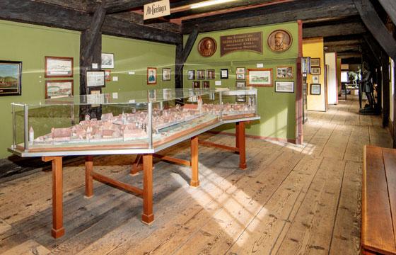 Museum im Alten Bau . Erbauer der Geislinger Steige